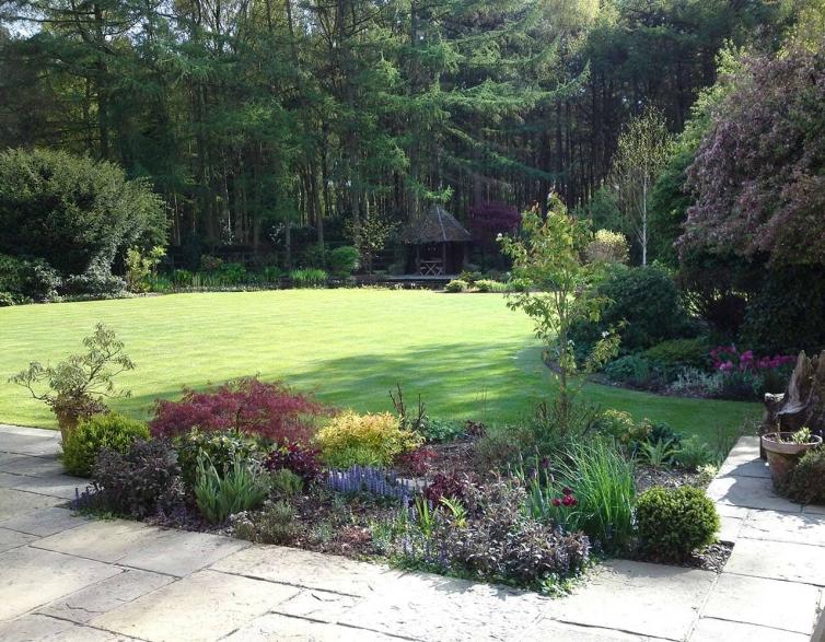 Lake House Garden